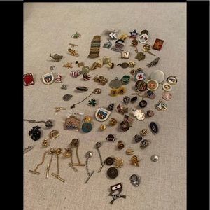 Lots pins/scarf rings collectors items
